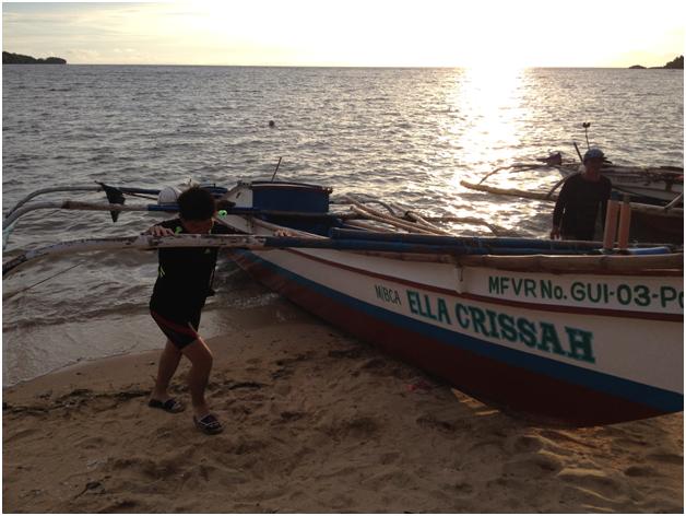 Pushing boat.png