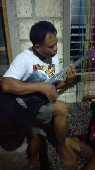 papa guitar 1